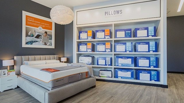 Tempur-Pedic Pillow Wall